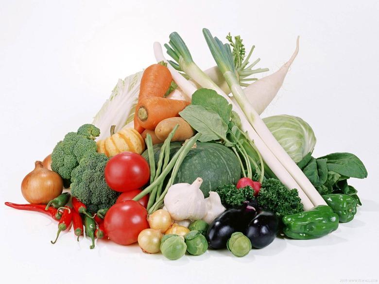 ... ถือเป็นสวนสวยที่กินได้ ตกแต่งบ้านได้ผักที่เรามั่นใจว่าปลอดสารพิษไว้รับประทานกันเองในบ้าน  ประหยัดค่าใช้จ่าย แบบพอเพียง การนำผักสวนครัว ...